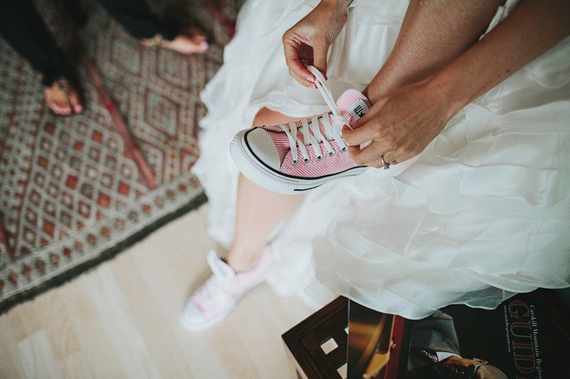 pink converse shoes bride 1