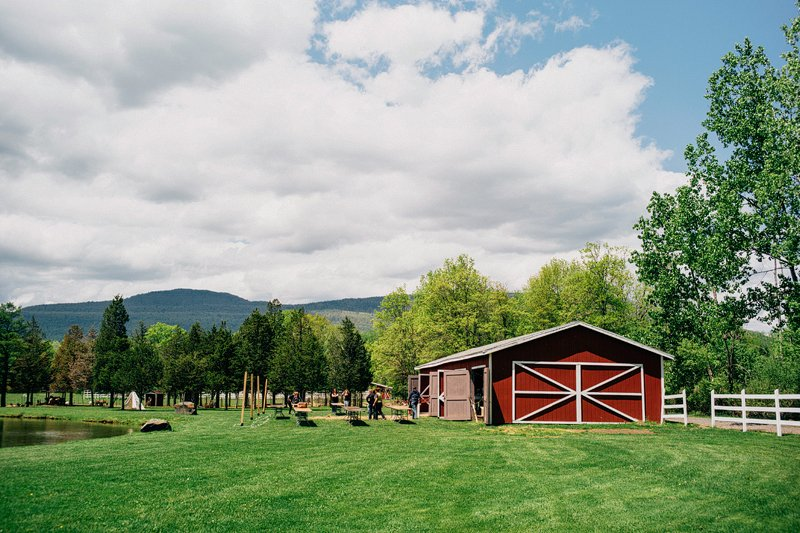 Catskills_Farm_Wedding_NY_Kaaterskill_002