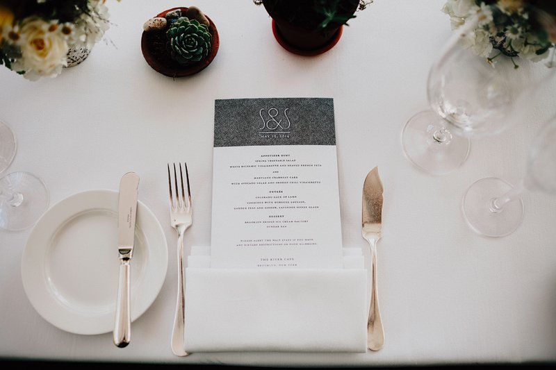 table setting river cafe wedding 4