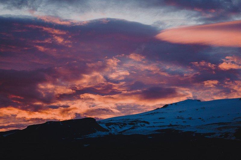 iceland sunset photo 2