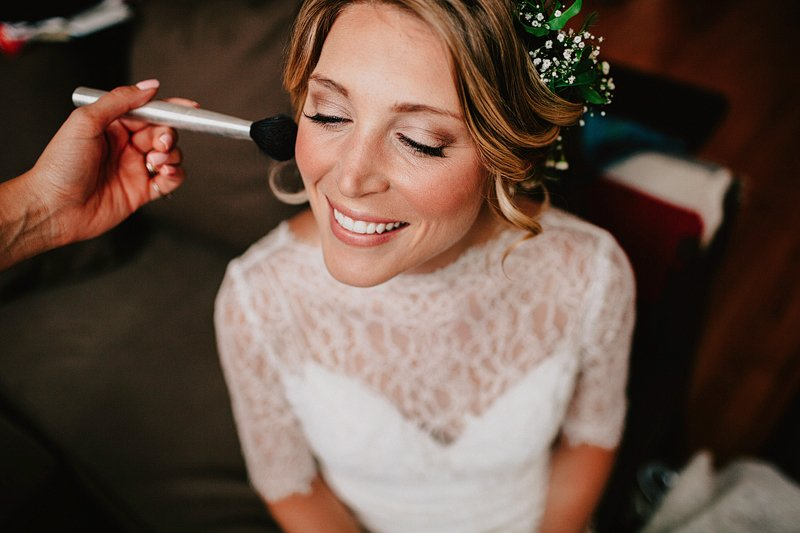 bride getting ready greenpoint brooklyn 3