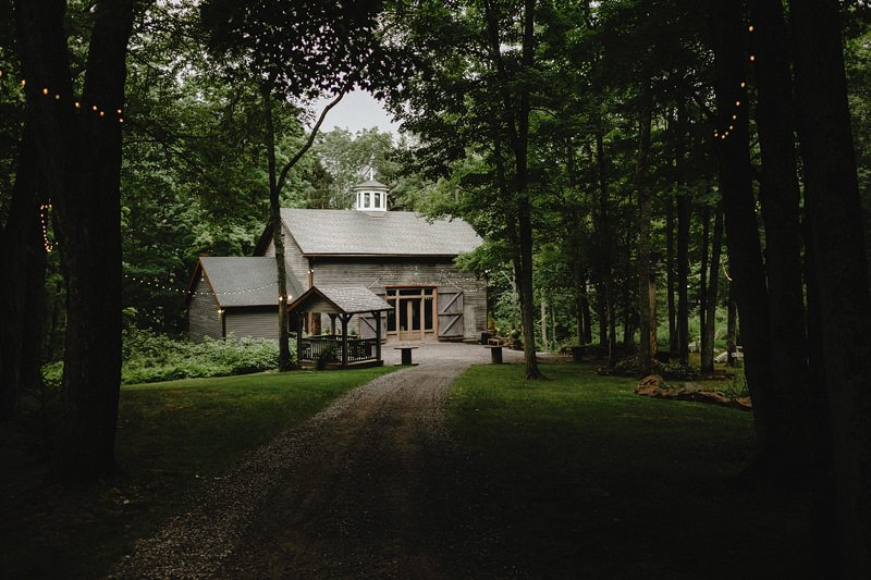 rustic catskills barn wedding ny