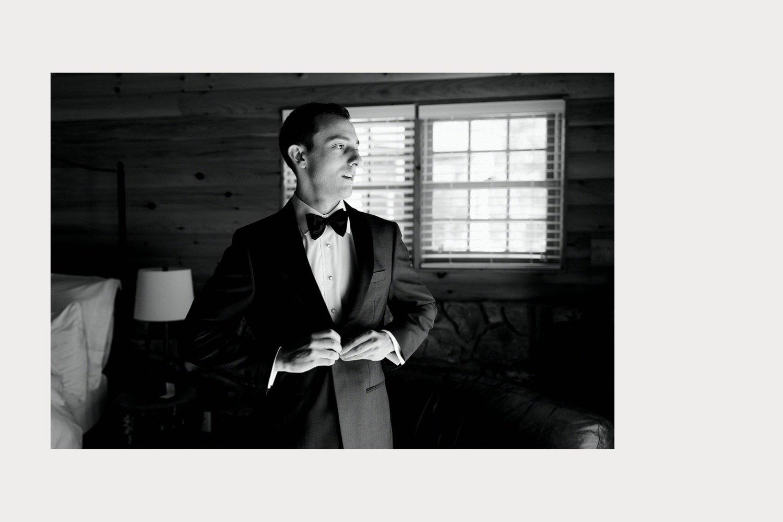 groom gets ready cedar lakes estate cabin